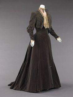 Afternoon Dress  Charles Fredrick Worth, 1889  The Metropolitan Museum of Art  (omgthatdress  rocks!)