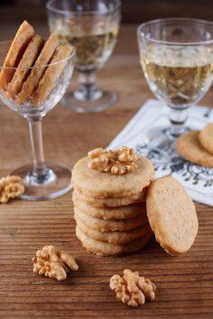 Cheddar Walnut Crackers for French Fridays / Patty's Food