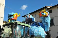 Monster Float, Carnevale at Dicomano, Mugello, Tuscany; photo by Daniele, Gluten Free Abroad #gfreeabroad #tuscany #carnevale #dicomano #mugello