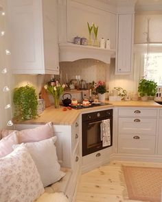 """Fantastic Photographs Shabby Chic Kitchen remodel Ideas With the phrase """"cheap chic"""" the primary things that spring season to mind are usually upset, retro, old although t Cozy Kitchen, Shabby Chic Kitchen, New Kitchen, Kitchen Decor, Kitchen Country, Kitchen Ideas, Small Country Kitchens, Kitchen Seating, Scandinavian Kitchen"""