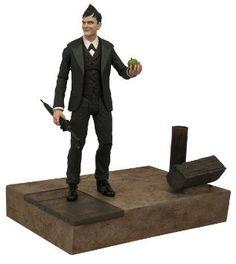 Diamond Select Toys: Gotham Select - Oswald Cobblepot Action Figure