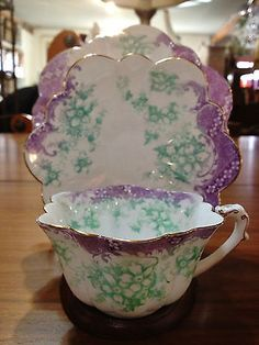ANTIQUE THE FOLEY CHINA TEA CUP TRIO SET PRE SHELLEY ENGLAND ENGLISH LAVENDER
