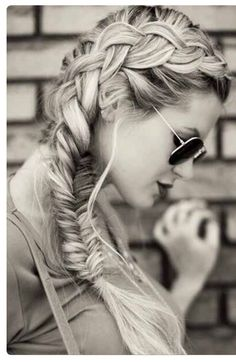 10 Charming Braided Hairstyles Tutorials for Summer - PoPular Haircuts Side Braid Hairstyles, Teen Hairstyles, My Hairstyle, Summer Hairstyles, Pretty Hairstyles, Natural Hairstyles, Wedding Hairstyles, Medium Hairstyles, School Hairstyles