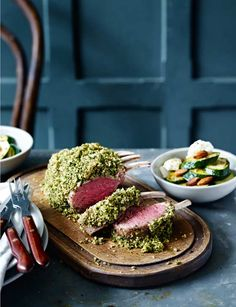 If you want to cook a special lunch, try this herby rack of lamb with lemon ricotta courgettes. It looks impressive, is packed with fresh spring flavours and is ready in just one hour! Lamb Recipes, Meat Recipes, Cooking Recipes, Easter Lunch Recipes, Crusted Rack Of Lamb, Roast Dinner, Paleo Dinner, Dinner Recipes, Lamb Dishes