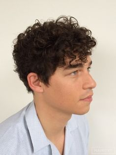 men curly hairstyle