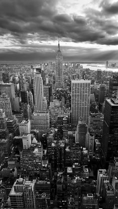 New York Empire State Building Black White iPhone 5 Wallpaper