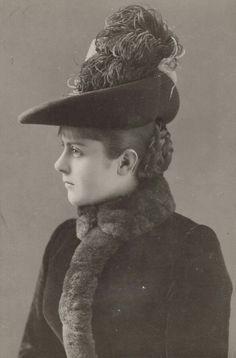 Mary Vetsera, mistress of Kronprinz Rudolf of Austria. Antique Pictures, Old Photos, Vintage Photos, Austria, Empress Sissi, Royal Family Trees, Royal Monarchy, Victorian Women, Edwardian Era