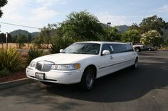 Car Service Chicago are dedicated to serve your all travelling requirement and ensuring your trip ends up being an event you'll never overlook. Starting from air port limousine service to corporate gathering pick ups and drop offs, proms, parties and wedding ceremonies, red or pink carpet functions, conferences, workshops, graduation events.