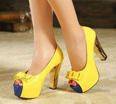 Zapatos Boquita de Pez Amarillos y Azul Con Taco Dorado Y Moño Delicioso