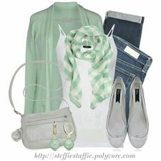 That scarf makes the whole outfit pop!