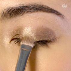 Contour your eyeshadow