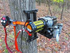 Electric Tree Winch - Portable Deer Winc - Home Decor Deer Hunting Tips, Hunting Gear, Deer Hunting Blinds, Metal Projects, Welding Projects, Cool Tools, Diy Tools, Deer Stand Plans, Deer Stands