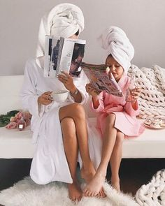 mother and daughter, mum and daughter, spa, bonding ideas Mom Daughter Photos, Mother Daughter Photography, To My Daughter, Daughters, Cute Family, Baby Family, Family Goals, Family Life, Future Mom