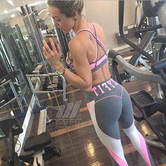 Vestidas de Miss Fit Brasil.!  . Ninguém precisa ir treinar com uma roupa feia. Nós MERECEMOS nos sentir lindas simmmm! Look bapho Oxyfit. Motion.  ______________________________________________________ Nossos canais de compra: .  http://ift.tt/1PcILpP Whatsapp: 41 99144-4587  Loja virtual no face: Acesse missfitbrasilhf  USA Store: www.fitzee.biz. .  Worldwide shipping  Parcele em até 4x sem juros via Pagseguro  10% off para pagamento via depósito ou transferência. .  Frete grátis para todo…