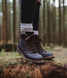 Hiking Boots Outfit, Black Hiking Boots, Hiking Boots Women, Women's Hiking Boots, Womens Hiking Outfits, Cute Hiking Outfit, Boot Outfits, Kodiak Boots, Over Boots