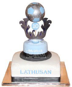 Football trophee cake