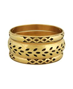 love the contrast between geometric and natural shapes on this set of bangles.