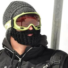 Beardo - Die Mütze mit Bart - removeable bearded hat