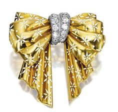 KARAT GOLD, DIAMOND AND ENAMEL 'BOW' BROOCH, CIRCA 1940, VAN CLEEF & ARPELS - Sotheby's