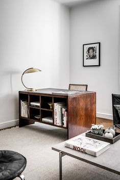 Four days totally off from work is over and time to sit down at this desk and be productive again. Hope everyone had a nice Easter and… Home Office Space, Office Workspace, Home Office Design, Office Decor, House Design, Interior Exterior, Modern Interior, Interior Architecture, Interior Design