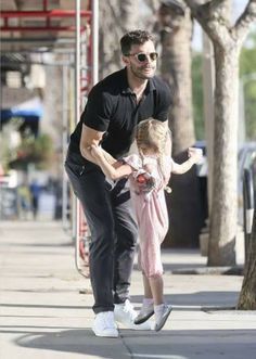 Jamie and Dulcie getting ice cream in LA Fifty Shades Movie, Fifty Shades Of Grey, 50 Shades, Jamie Dornan, L James, Mr Grey, Book Boyfriends, Business Casual Outfits, Christian Grey