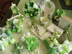 craft Ivy Leaf, Table Decorations, Ornaments, Green, Crafts, Home Decor, Homemade Home Decor, Manualidades, Interior Design