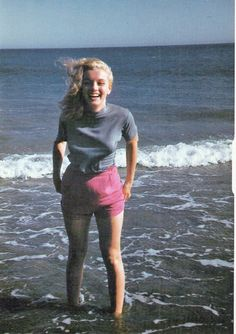 thebeautyofmarilyn: A young and joyous Marilyn Monroe