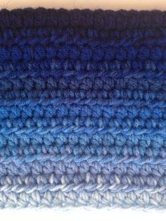 How to Create an Ombre in #Crochet @redheartyarns