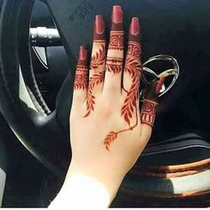 Beautiful Easy Finger Mehndi Designs Styles contains the elegant casual and formal henna patterns to try for daily routines, eid, events, weddings Modern Henna Designs, Henna Art Designs, Mehndi Designs For Girls, Mehndi Designs 2018, Mehndi Designs For Beginners, Dulhan Mehndi Designs, Mehndi Design Photos, Mehndi Designs For Fingers, Beautiful Mehndi Design