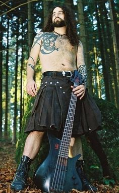 Community Post: 40 Shirtless Guys In Kilts.  This one with long, curly hair & full beard dressed in kilt.