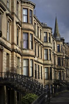 This street is shows off the typical architecture of the time that can be found throughout the West End of Glasgow. Going from the street level to the 1st floor of the building as the ground floor is submerged below ground level.