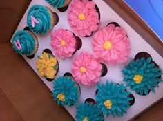 Butter Cream Flowers Cupcakes