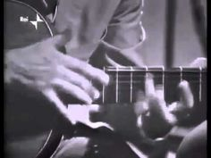Italian Vittorio Camardese two handed tapping guitar 1965 - YouTube