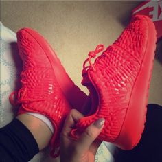 Red Nike Roshes $100 on Vinted Still new in box. Nike Roshe Run in Crimson dmb texture print. So beautiful. Bright red/ orange/ corral. Comfy for work out or just wear with jeans or leggings. Run a little bigger.. Up to a 6.5 I'd say. **Cheaper on Vïnted!!** Nike Shoes