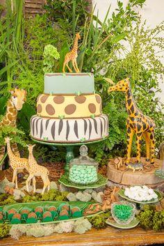 Editorial de festinha no tema Safari com todo acervo Ella Arts! Arranjos: Didi Gheler #festasafari #safariparty #safariforkids #festainfantil