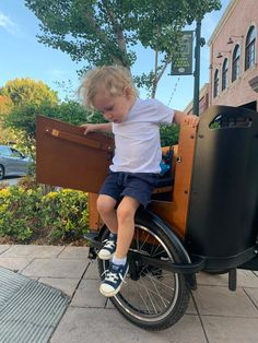 Stepping into the weekend like... 🚲  Check out this little man, hopping off of our Ferla Cargo Bike Royce Edition. Our door & accessories make it very easy for anyone to jump in and out of the cargo box. 🧒 👵🧓  Share with us your weekend plans, where will you ride your Ferla Cargo Bike next? 🏞️   #cargobike #cargobikes #cargobikelove #cargobikelife #cargobikecamp #kidsonbikes #kids Electric Cargo Bike, Electric Motor, Royce, Fall Protection Harness, E Bike Battery, Color Dust, Door Accessories, Bike Run, Roll Cage