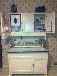 Vintage Antique Hoosier Sellers Cabinet w/ Orig. Glass Jars, Flour ...