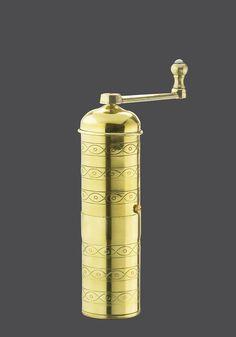 Zassenhaus Serie Havanna  Messing Mokkamühle mit original Zassenhaus-Qualitäts-Mahlwerk aus geschmiedetem Stahl, bestens geeignet für Türkisch-Mokka oder Espressokaffee, ideal auf Reisen Höhe: 18 cm Durchmesser: 5,6