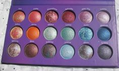 Bh Cosmetics Galaxy Chic 18 color baked eyeshadow palette.