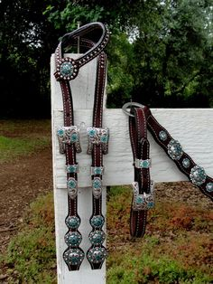 swarovski crystal custom headstall and breast collar. Love her stuff rokinytack.com