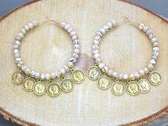 Wooden hoop earrings ,coin earrings,boho chic earrings,gypsy earrings ,bohemian earrings ,beaded earrings ,bohemian jewelry ,hippie earrings door HipLikeMe op Etsy https://www.etsy.com/nl/listing/258139505/wooden-hoop-earrings-coin-earringsboho