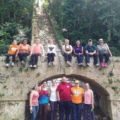 A group shot of UT students in Jamaica during their 2014 Alternative Spring Break trip