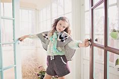 Free shipping!!  Girls Wool Quilted Patchwork New Vintage Cape Poncho