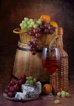 Wine Images, Still Life Drawing, Fruit Photography, Coffee Painting, Wine Decor, Wine Art, In Vino Veritas, Wine Cheese, Fruit Art