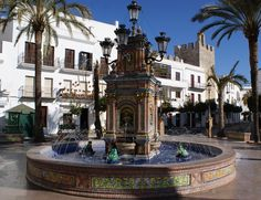 Planning a trip to the jewel of the Costa de la Luz? Get the best from the town with my pick of a few of the best things to do in Vejer de la Frontera...
