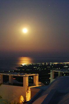 Sun in the sky, Imerovigli, Santorini
