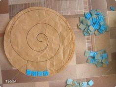 DIY Mosaic Tile Garden Stepping Stones | iCreativeIdeas.com