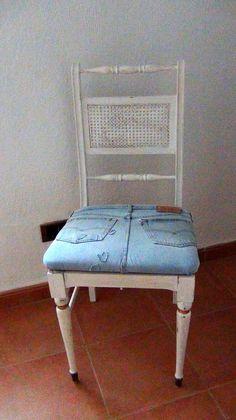 Restaurando con un pantalón vaquero una silla que parecía que no tenía solución