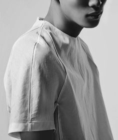 raglan sleeve in a woven + french seams //TEXTILE.SYSTEMATISM//