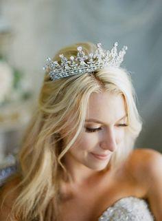 SWAROVSKI CRYSTAL ROYAL BRIDAL TIARA- QUEEN MARY  A truly BEAUTIFUL and gorgeous Royal Swarovski Crystal Bridal Tiara The sparkle factor is